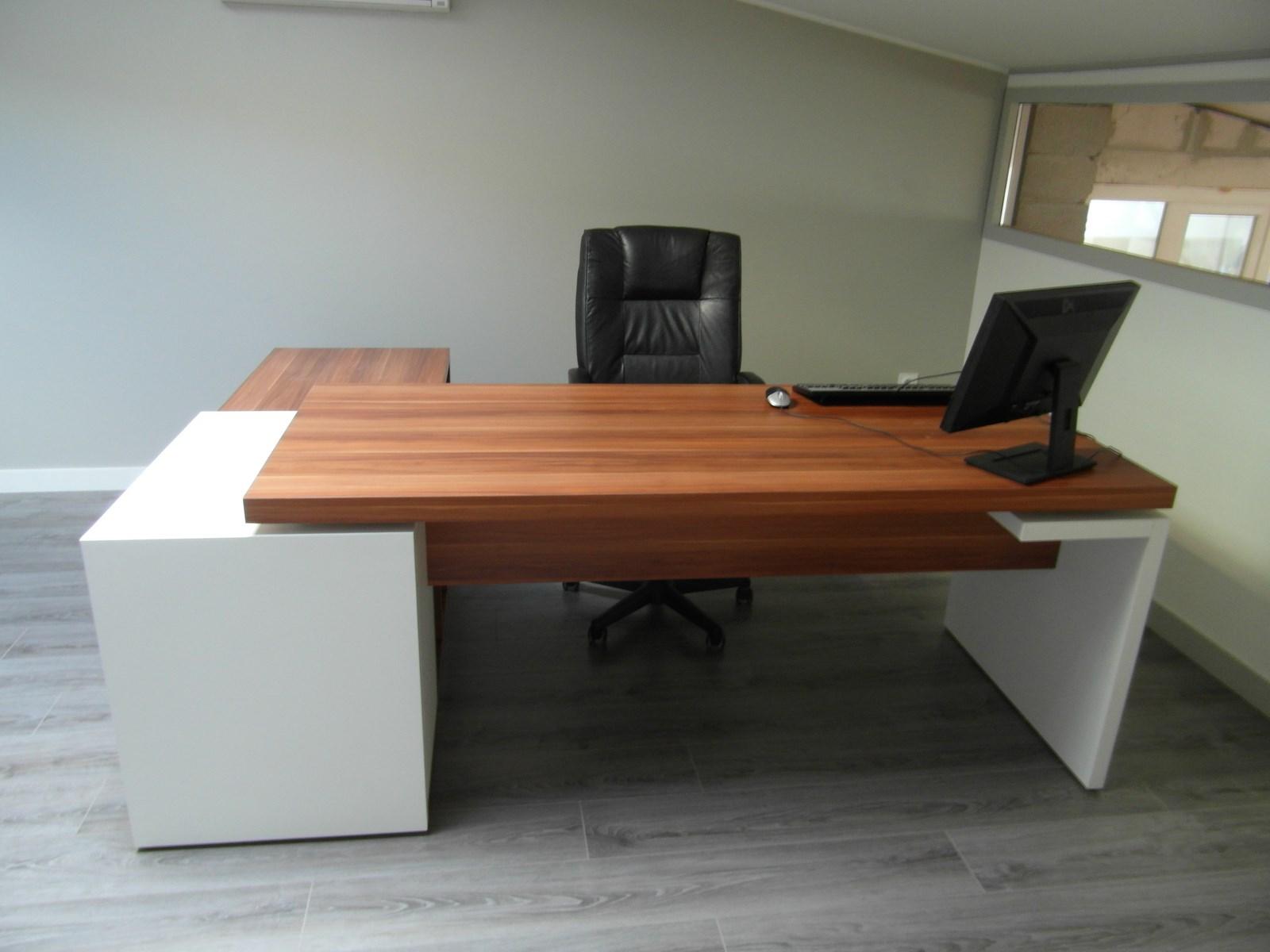 je choisis le style de mon bureau sur mesure. Black Bedroom Furniture Sets. Home Design Ideas